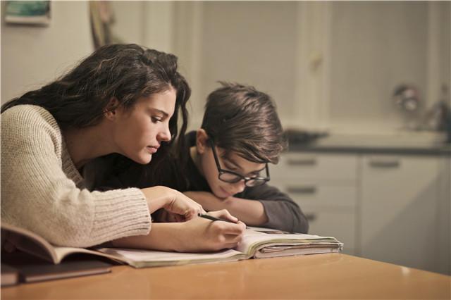SAT和托福考试有哪些区别 哪个更重要?